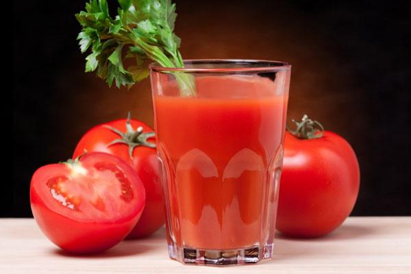 zumo de granada vaso de tomate campodeelche 600 X 400
