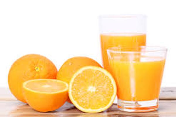 zumo de granada naranja 600 x 400
