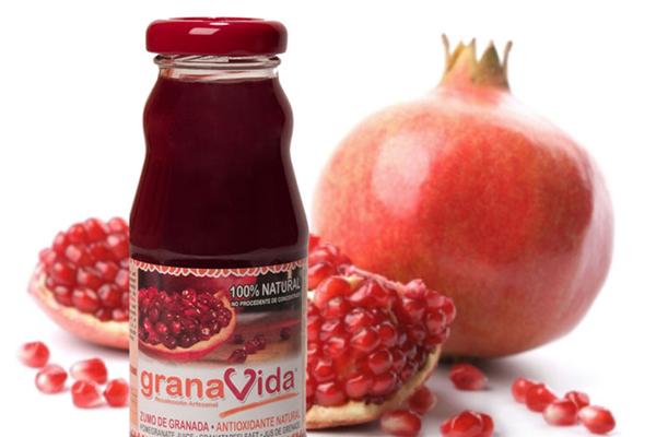 zumo de granada 100 % natural
